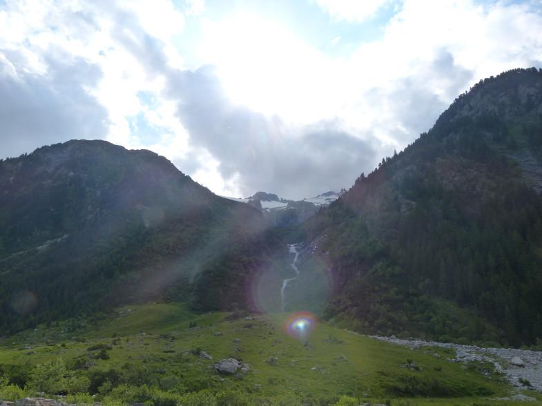 Kurz nach der Kainzenkaralm mit Blick bergwärts...die Steilstufe hinauf ins Kar....orographisch rechts sind wir problemlos abgestiegen