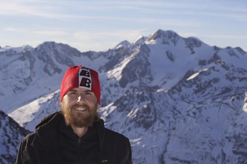 Simon am Nördlichen Ramolkogel, im Hintergrund die Wildspitze