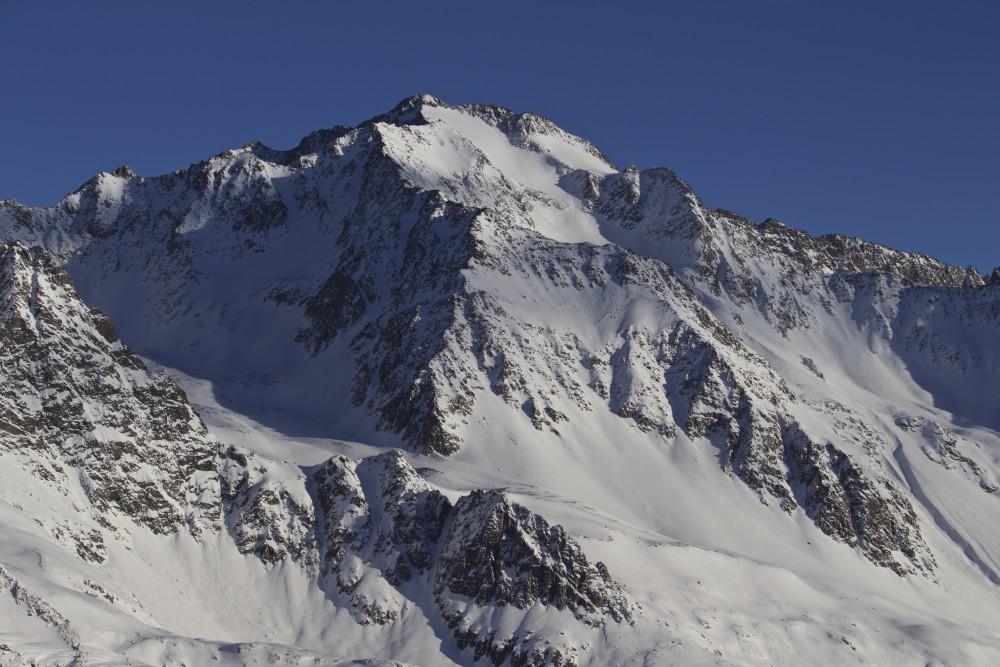 Ruderhof mit Gipfelhang und der Schlüsselstelle
