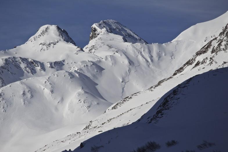 Selbstauslösung NO, dahinter der recht schneearme Gipfelaufbau der Lisener Villerspitze