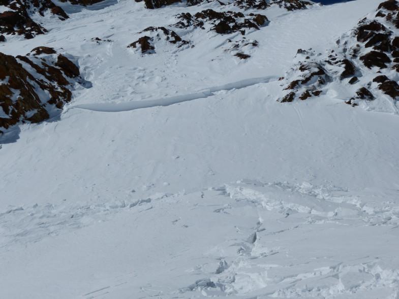 Kleines Schneebrett ausgelöst durch Fernauslösung