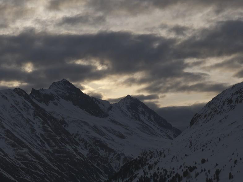 Morgenstimmung und Blick zu Seejoch und Peiderspitze