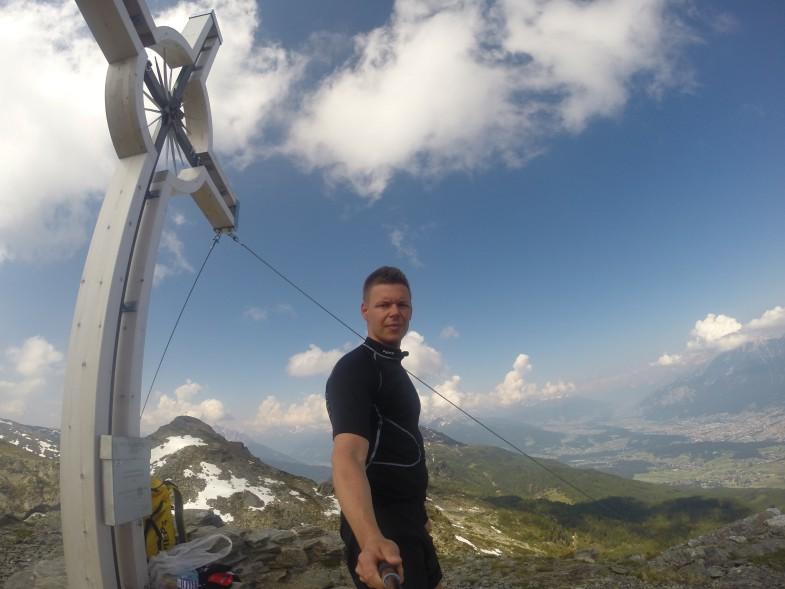 Gipfel Neunerspitze, dahinter Viggarspitze und Patscherkofl