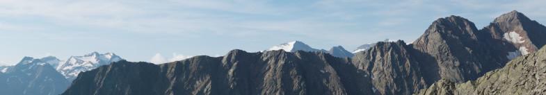 Blick nach Süden- Uelasgratspitze