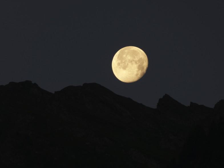 Mond im Valser Tal