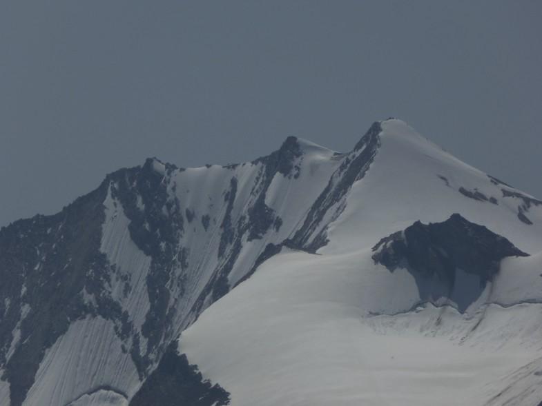 Nordwand Hochfeiler, jetzt schon sehr magere Schneeauflage