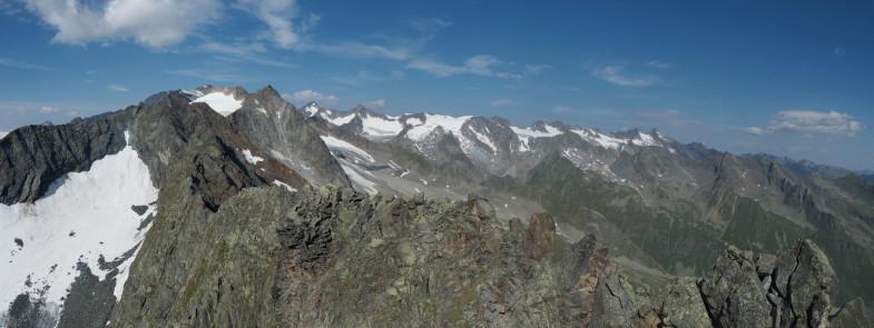 Auf der Uelasgratspitze
