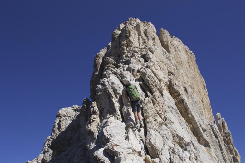 Sonja auf den letzten Metern...ausgesetzt aber immer guter Halt auch ohne Seilversicherung