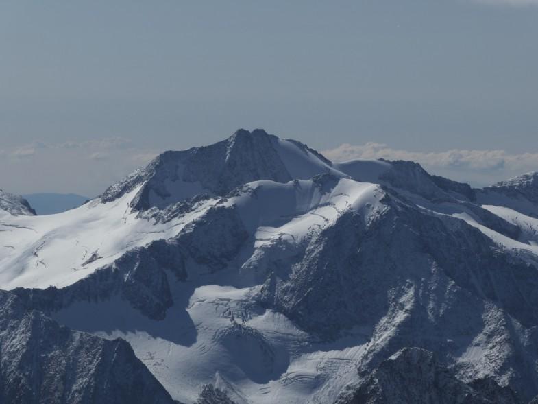 Mutmalspitze (im Vordergrund) und Hintere Schwärze von der Wildspitze aus gesehen