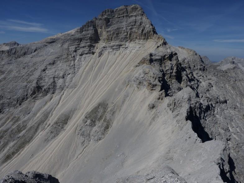 Die markante Birkkarspitze hoch über dem östlichen Birkkar