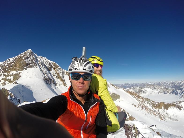 Ich und Simon am Gipfel des Ötztaler Urkund