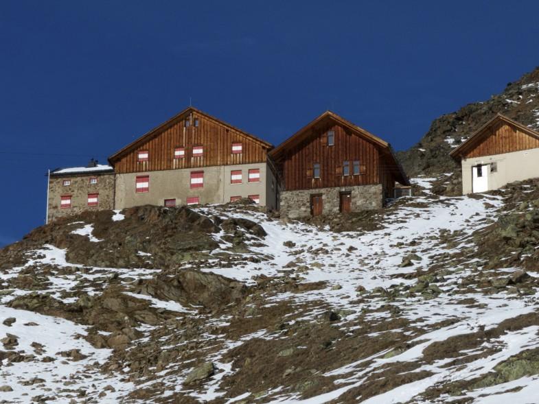Breslauerhütte mit tollem Winterhaus