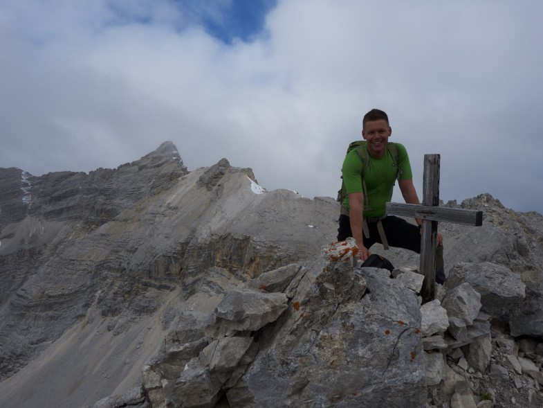 Ich am Unbenannten Gipfel, links hinten der Gipfel der Kaltwasserkarspitze, rechts davor die Bockkarlspitze