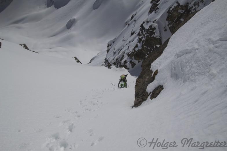 A Skitour wo die Skier nicht mindestens einmal auf den Rucksack kommen ist doch keine gscheite Skitour :-D
