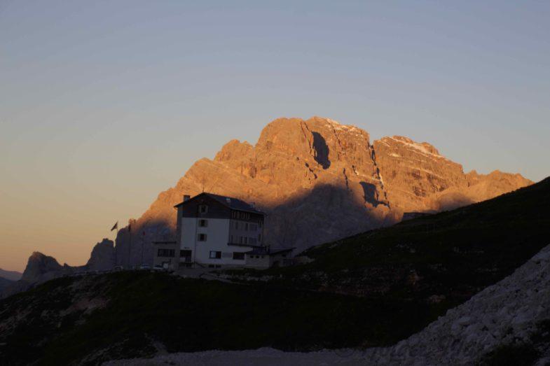 Die Auronzohütte noch sehr einsam