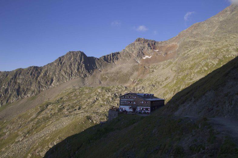 An der Innsbrucker Hütte angekommen