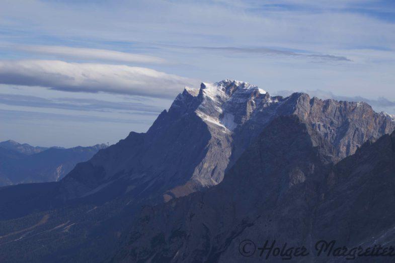 Zugspitze mit Ehrwalder Sonnenspitze im Vordergrund