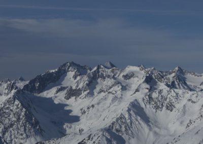Links hinten die Ruderhofspitze