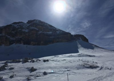 Am Ende der Rinne erreicht man dann ein Plateau wo die Boe Hütte steht