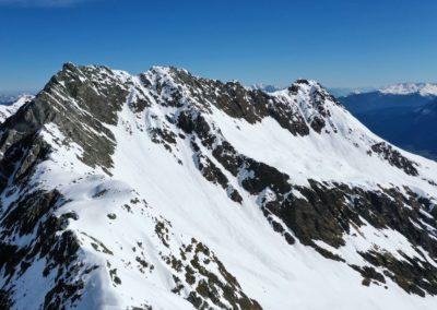 Kerrachspitze und rechts die Brennerspitze