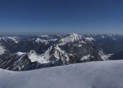 Am Gipfel- der Blick zum Sonnjoch