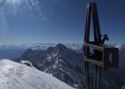 Gipfel Lamsenspitze und dahinter Hochnissl