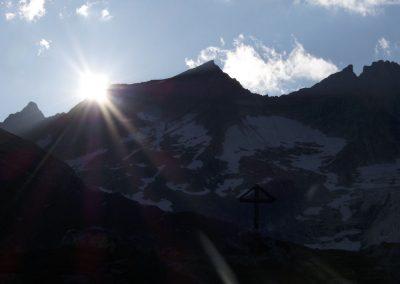 Sonne verschwindet langsam hinter der Nördlichen Malhamspitze 3373m