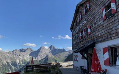 Gipfelparade hoch über dem Gschnitztal- Stubaier Alpen